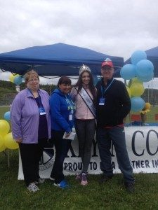 Keyin staff with Miss Teen NL